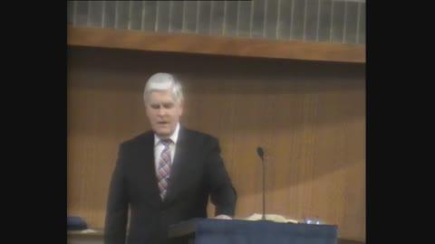 Dr. Alan Cairns